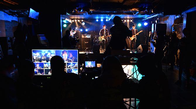 プロモーション映像科が主催するライブ「TRACE FEAST」の様子をYouTube LIVEで生配信